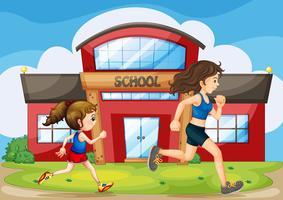 Een kind en een vrouw die voor de school rennen