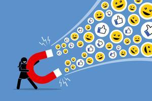 Vrouw met behulp van een grote magneet om sociale media aan te trekken houdt van duim omhoog en glimlacht.