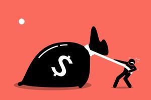 Een man worstelt om een grote zak geld te trekken omdat het te zwaar is.