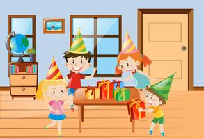 Kinderen met een feestje thuis