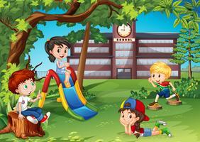 Studenten die op de schoolplein spelen vector