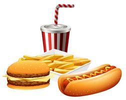 Snel voedsel dat op witte achtergrond wordt geplaatst