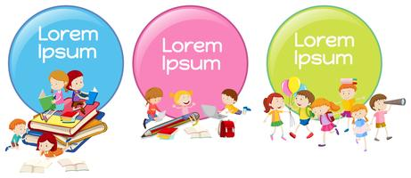 Etiketten ontwerpen met kinderen lezen en spelen vector