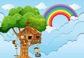 Kinderen spelen op boomhut