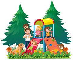 Een gezin op de speelplaats