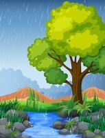 Parkscène in regenachtig seizoen