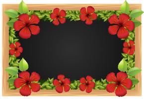 Rode hibicus op het houten frame