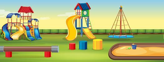 Lege speelplaats met apparatuur