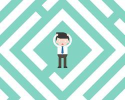 Verwarde Zakenman in labyrint, het vlakke concept van de ontwerpoplossing