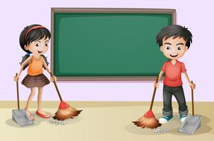 Kinderen die dichtbij het lege bord schoonmaken
