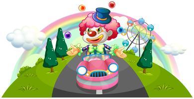 Een clown die in een roze auto berijdt terwijl het jongleren met