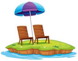 Twee houten stoelen op het eiland