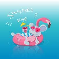 Opblaasbare cirkel in de vorm van een flamingo en een muis die erop rusten met een cocktail. Briefkaart voor zomervakanties, poolfeest.