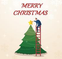 een zakenman houdt een ster met kerstboom en ruimte voor tekst op de achtergrond