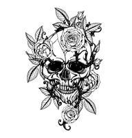Schedel met chrysanthemum tattoo met de hand tekenen vector