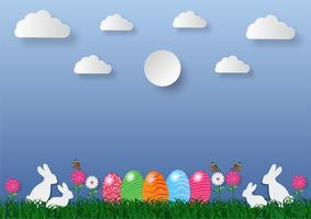 Van de de kunststijl van het document Pasen de vakantieachtergrond met eieren op groen gras en wit konijn, vectorillustratie