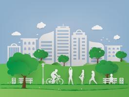 Landschaps openbaar park in stedelijke cityscape. Groen gras en boom met milieuvriendelijk en ecologieconcept. Natuur Groene stad en Wereldmilieu.