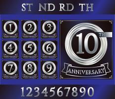 Jubileum zilveren ringlogo met cijfers. Set van verjaardagskaarten met lint op blauwe achtergrond vector
