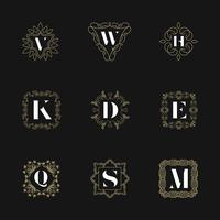 Monogram embleem insignes ingesteld. Kalligrafische logo sieraad vector