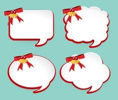 Vier etiketten met rode linten en bellen