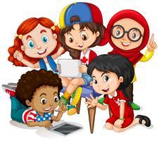 Kinderen werken in groep