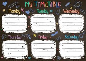 Het malplaatje van het schooltijdschema op schoolbord met hand geschreven gekleurde krijttekst. Wekelijks lessenpakket in schetsmatige stijl versierd met handgetekende schoolkrabbels op blackbord.