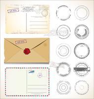 Reeks postzegels en prentbriefkaaren op witte achtergrondpostpostkantoorluchtpost vector