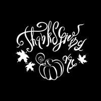 Thanksgiving dag. Belettering. Kerstkaart. Pompoen. Zwarte achtergrond. Vector.