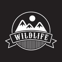 Adventure-logo en badge, goed voor afdrukken vector