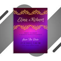 Bruiloft uitnodigingskaart met paars kleurverloop vector
