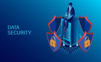 man op laptop zittend op server die gegevens beschermt
