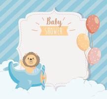 Kaart van de baby douche met leeuw in vliegtuig en ballonnen vector