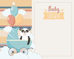 Kaart van de baby douche met panda in koets met ballonnen vector