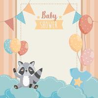 Kaart van de baby douche met wasbeer met ballonnen op wolken vector