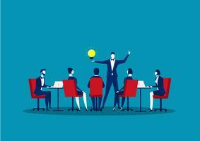 Groep bedrijfsmensen die besprekend mededeling van groepswerk doen