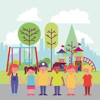 Kinderen in het park glimlachen