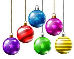 Zes kerstballen met verschillende patronen en kleuren.