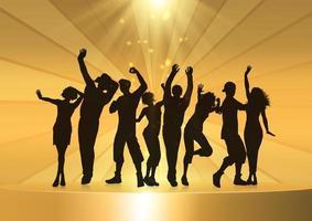 feestmensen dansen op een gouden podium