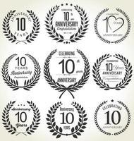 10e verjaardag zwarte badges vector