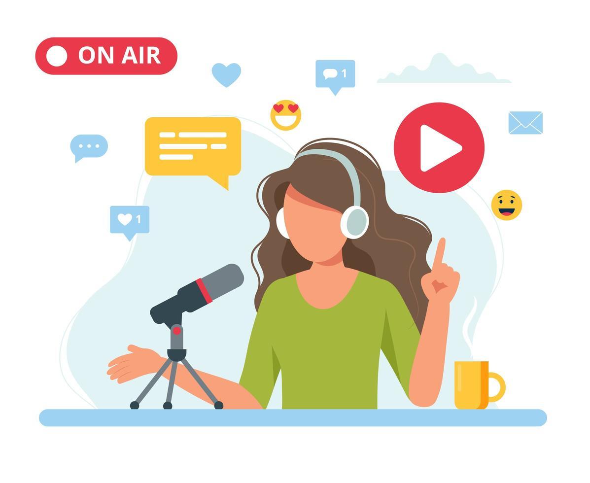 kvinnlig podcaster som pratar med mikrofonen vektor