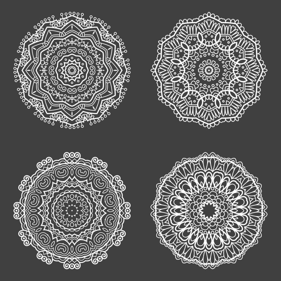 Sammlung von dekorativen Mandala vektor