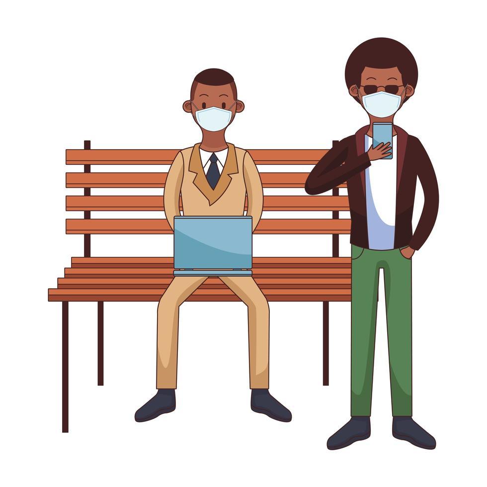 afro män som bär medicinska masker med hjälp av teknik som sitter i parkstolen vektor