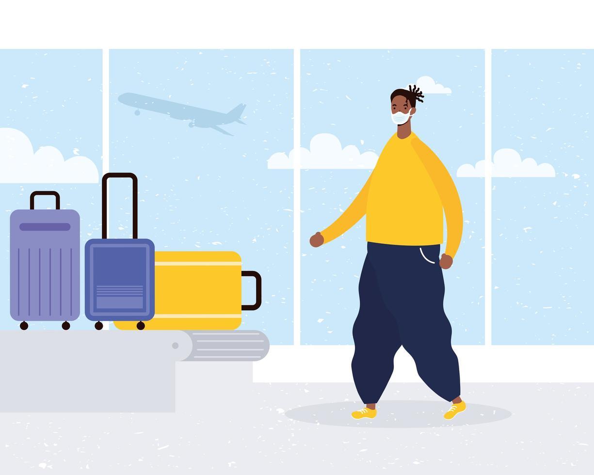Afro junger Mann, der medizinische Maske mit Koffern im Transportband trägt vektor