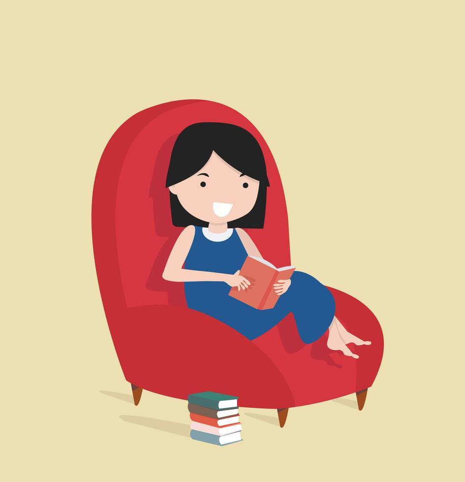 liten flicka som läser boken som sitter på soffan vektor
