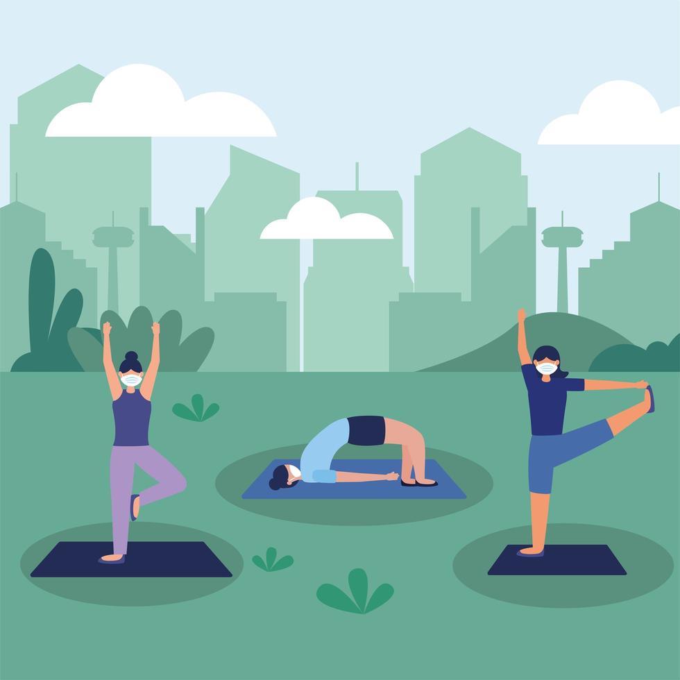 kvinnor med masker som gör yoga i parkvektordesign vektor