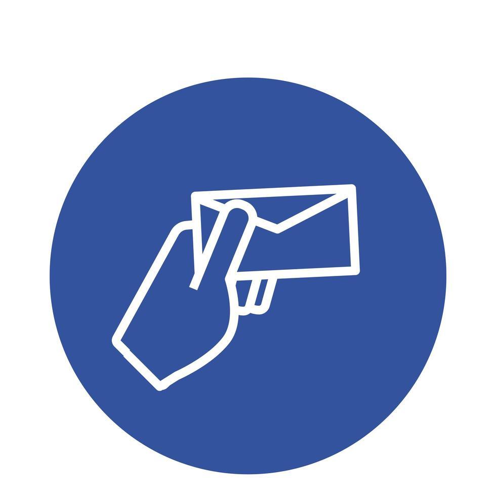 Hand mit Briefumschlag Mail Block Stil Symbol vektor