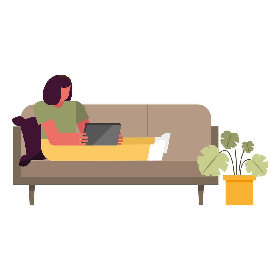 Frau mit Laptop auf der Couch, die vom Hauptvektordesign arbeitet vektor