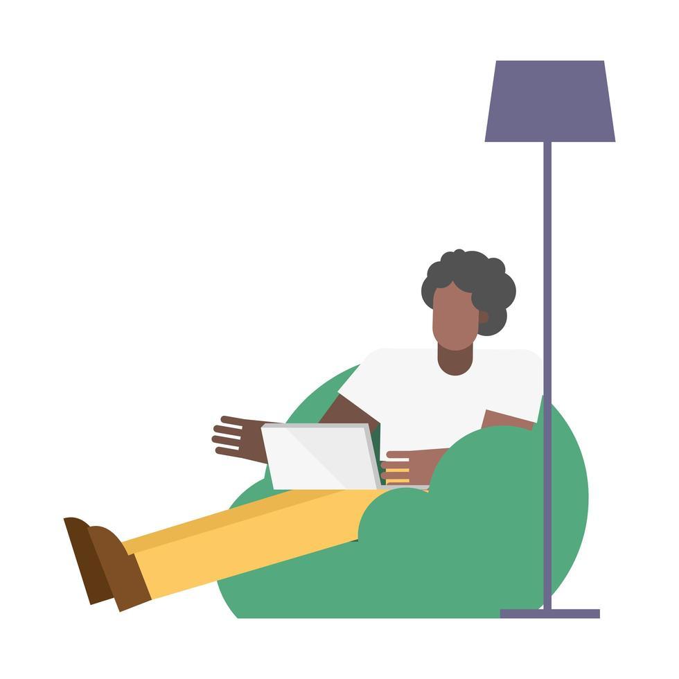 Mann mit Laptop auf Puff Stuhl arbeiten von zu Hause aus vektor