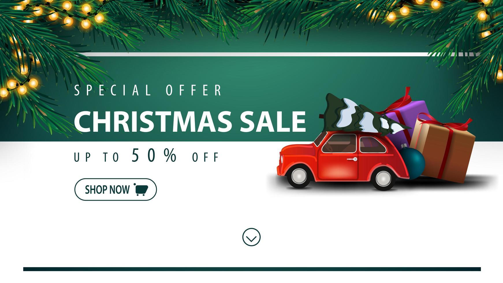 Sonderangebot, Weihnachtsverkauf, bis zu 50 Rabatt, weißes und grünes Rabattbanner mit Knopf, Rahmen von Weihnachtsbaum, Girlande, Querstreifen und rotem Oldtimer mit Weihnachtsbaum vektor
