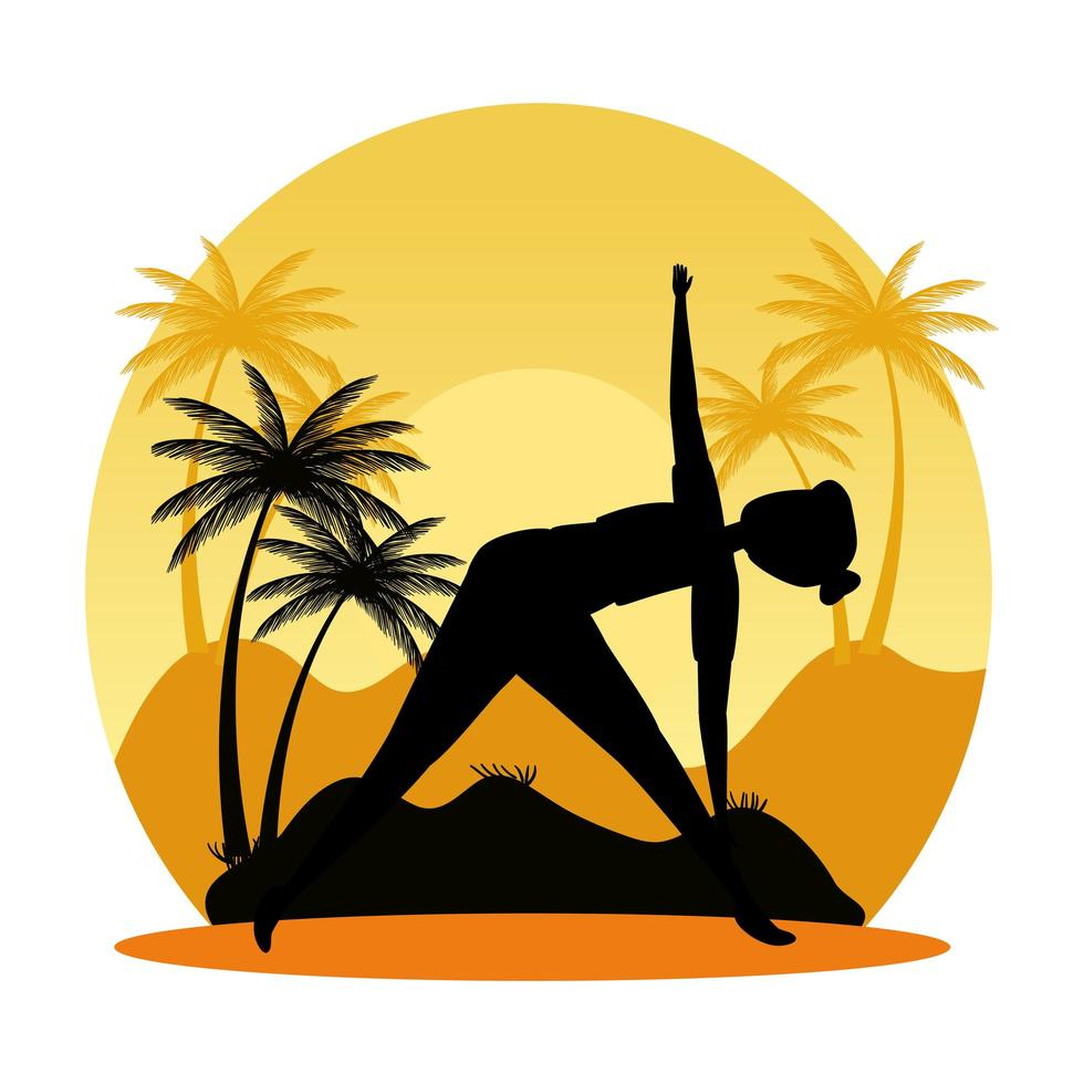 silhuett av kvinna som övar pilates på landskapssolnedgångscenen vektor
